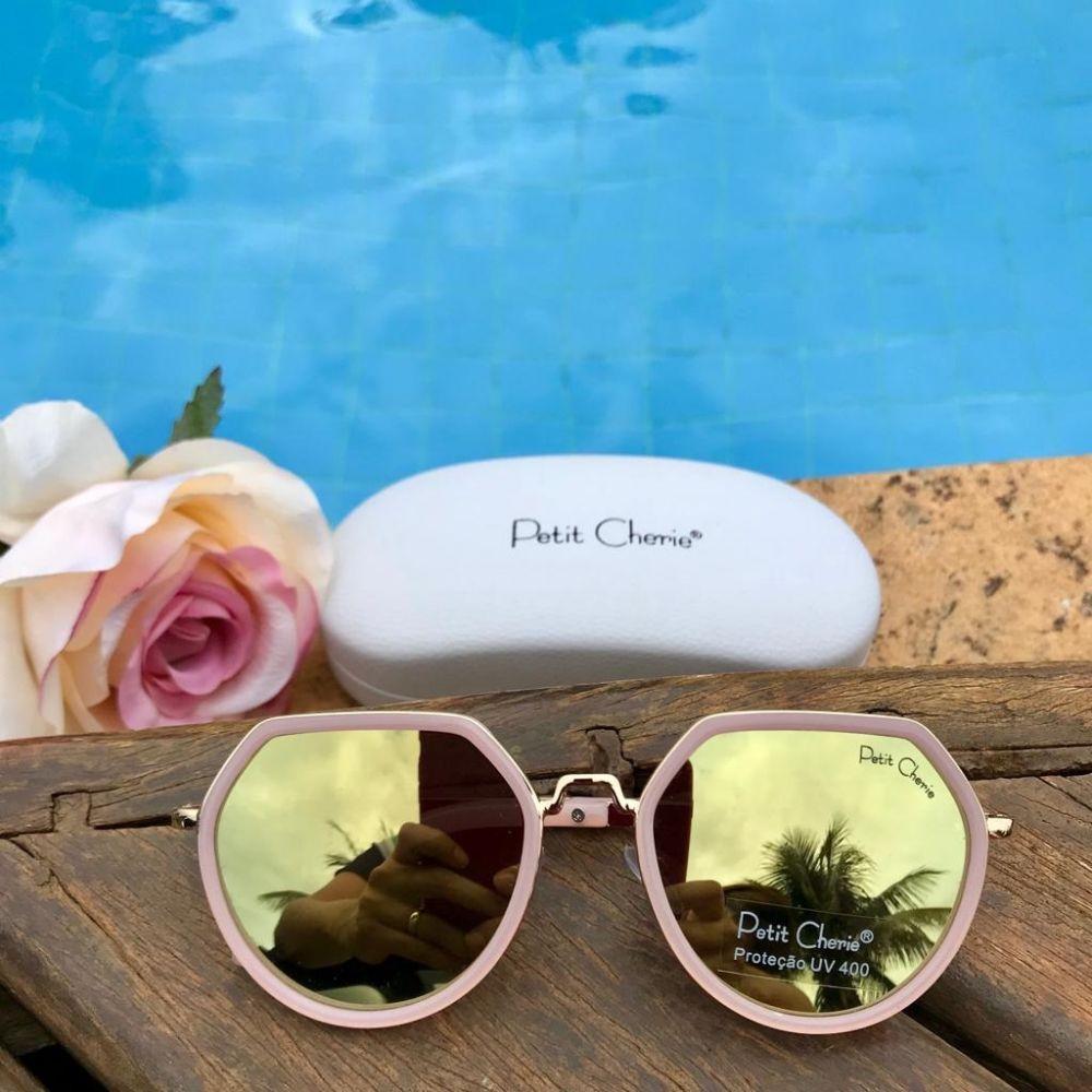 437bdb285 Óculos de Sol Infantil Fashion Geométrico Rosa Petit Cherie na Euro ...